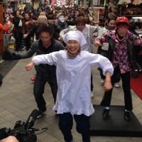 【フラッシュモブ】浅草商店街アーケードが大きく波打つ圧巻の総勢230名ダンス(特別レポート)